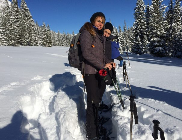 active_travel_west_usa_yellowstone_national_park_winter_small_group_snowshoe_tour (3)