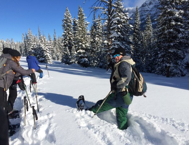 active_travel_west_usa_yellowstone_national_park_winter_small_group_snowshoe_tour (7)